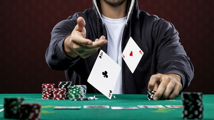Novice's Overview for Online Poker Play